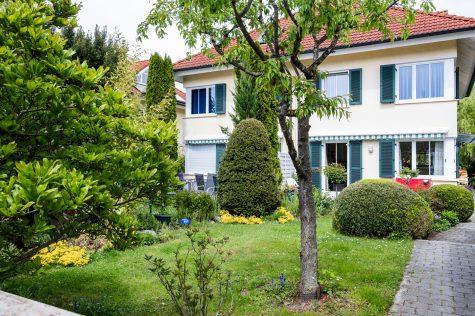 *RESERVIERT* Doppelhaushälfte mit charmantem Garten, 81245 München-Aubing, Doppelhaushälfte