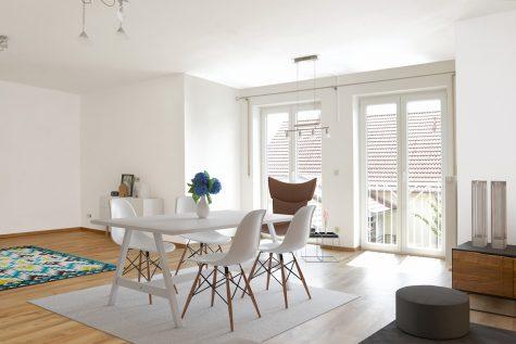 Außergewöhnliche Maisonette-Wohnung mit Balkon – frisch für Sie renoviert!, 93098 Mintraching bei Regensburg, Maisonettewohnung