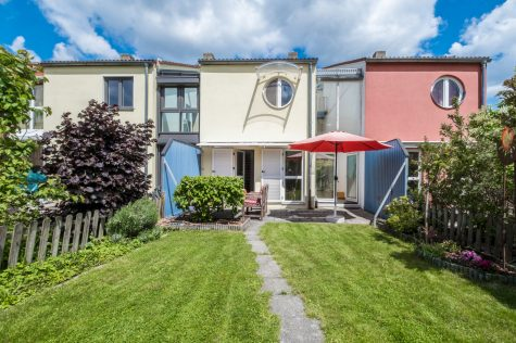*Verkauft* [Erbbaurecht] Reihenhaus an der Fröttmaninger Heide, 80939 München-Kieferngarten, Reihenmittelhaus