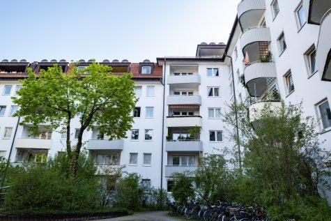 *VERKAUFT* Familienwohnung im 4.OG mit Balkon und TG-Stellplatz, 80798 München-Maxvorstadt, Etagenwohnung